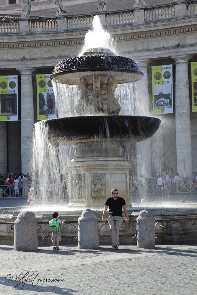 St.PeterSquare.fountainIMG_2292wlo