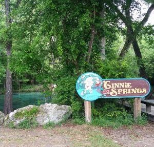 2015-04.GinnieSprings.welcomesign.w