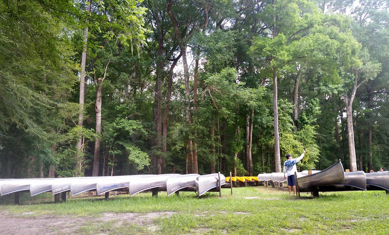 2016-06-24.GinnieSprings.kayaks.w