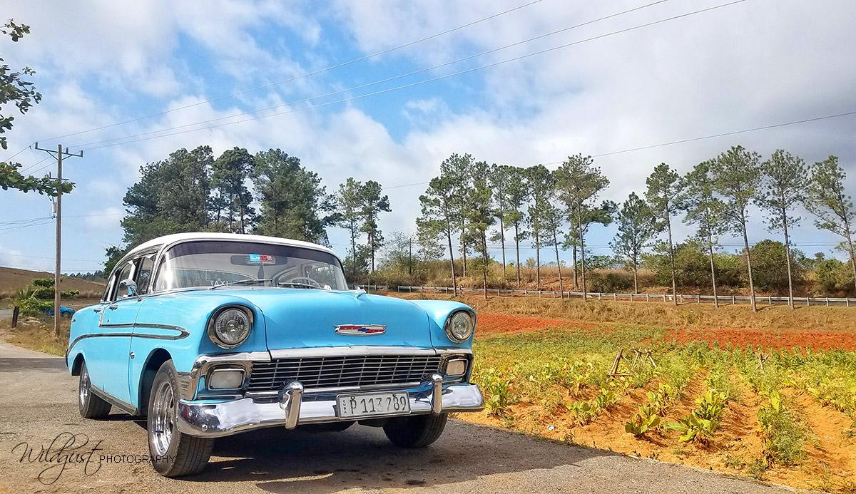 Cuba.Vinales.vintagecar.101306-01w