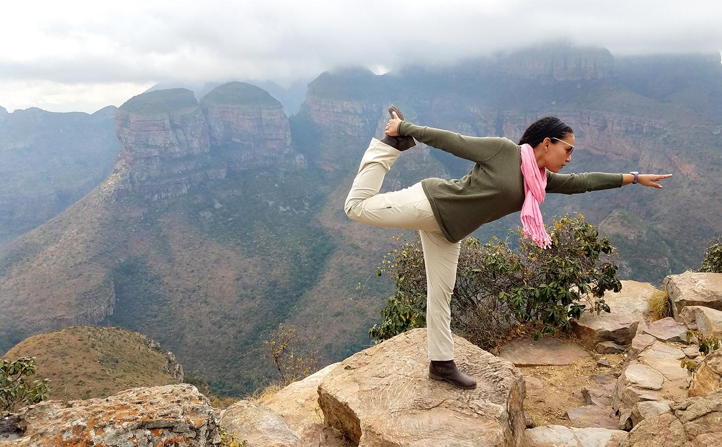 SouthAfrica.BlyderCanyon.yoga.102129w